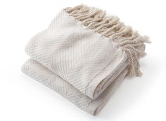 Monhegan Throw by Brahms Mount features a large-scale herringbone pattern. True selvedge and hand-twisted and knotted fringe finish. White Throws, Luxury Throws, Cotton Throws, Herringbone Pattern, Beautiful Hands, Knitted Hats, Best Gifts, Pure Products, Flourish