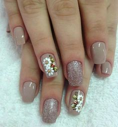 This is a very nice Trendy Nail Arts Design in nude or pastel colors with rhinestone or diamond or glitters , It gives sophisticated and luxurious looks in your nails. Its just enough glitz to have a stylish yet not overbearing nail art design. Creative Nail Designs, Creative Nails, Nail Art Designs, Nude Nails, Manicure And Pedicure, Gel Nails, Gorgeous Nails, Pretty Nails, Luxury Nails