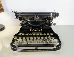 Rare Antique Typewriter ''CORONA'' Working Folding Flip Portable Typewriter Black Typewriter with Original Case Made in United States 1917 by LaLanterne on Etsy Corona Typewriter, Antique Typewriter, Portable Typewriter, Writing Machine, Retro Vintage, Vintage Items, Working Typewriter, Vintage Typewriters, Custom Canvas