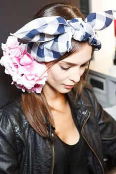 Flowers and bow-headband, great look