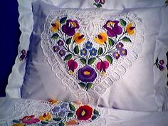 Hungarian Embroidery, Folk Embroidery, My Roots, Folklore, Hungary, Flower Patterns, Fiber Art, Arts And Crafts, Hungarian Recipes