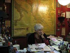 """ΕΝΤΕΥΚΤΗΡΙΟ περιοδικό / εκδόσεις / εκδηλώσεις: Η κυρία Μάνια πέρασε """"απέναντι"""""""