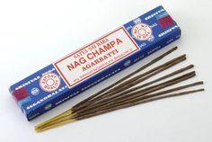 El incienso NAG CHAMPA está elaborado según la técnica MASSALA, contiene diversas resinas entre las que se destaca una derivada de la flor de Champa. Contiene un ingrediente natural oriundo de la India llamado \