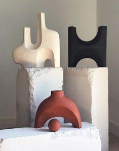 Sculptures Céramiques, Sculpture Clay, Ceramic Sculpture Figurative, Ceramic Sculptures, Ceramic Pottery, Pottery Art, Ceramic Vase, Slab Pottery, Pottery Studio