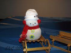 Schneemann Rot, aus Socken :-), gefüllt mit 350 gramm Reis !