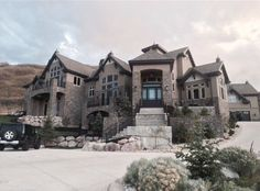 Stunning stone mansion in Nevada, USA Dream Home Design, Modern House Design, My Dream Home, Dream Life, Dream House Exterior, Dream House Plans, Dream Houses, Nice Houses, Up House