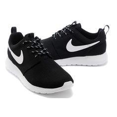 Zapatillas Nike en negro y blanco