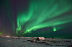 Would LOVE to see the Northern Lights someday Landscape Photos, Landscape Photography, Beautiful Sky, Beautiful Places, Places To Travel, Places To See, Vacations To Go, See The Northern Lights, Nature Pictures