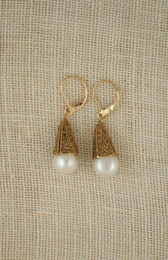 Golden Pearl Drop Earring