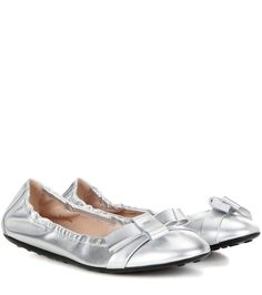 TOD'S Metallic Leather Ballerinas. #tods #shoes #flats