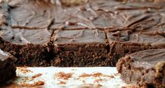 The most amazingly perfect chocolate frosting that is made specifically for brownies. Once you try this heavenly recipe, you will never want a naked brownie again! Chocolate Frosting For Brownies, Moist Brownies, Brownie Frosting, Best Brownie Recipe, Brownie Recipes, Dessert Recipes, Desserts, Chocolate Beer, Postres