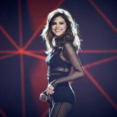 Selena Gomez Powers Through Strep Throat In Brisbane - http://oceanup.com/2016/08/11/selena-gomez-powers-through-strep-throat-in-brisbane/