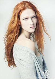 nicole fox...obsessed with her hair
