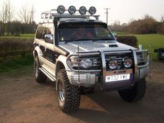 The Mitsubishi Pajero Owners Club® :: View topic - Paj Roof Lights