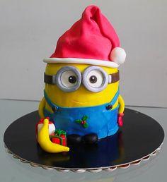 Minion Christmas cake