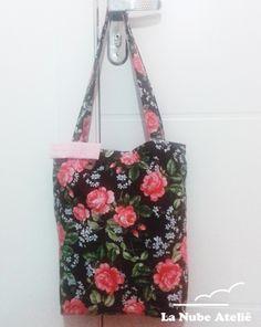 Bolsa de tecido florido La Nube ateliê. Bag