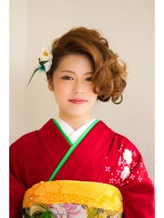 ボリュームのある髪を使ってカールとアップで華やかなスタイルです。 Oriental, Style, Fashion, Beleza, Moda, Stylus, Fasion, Trendy Fashion, La Mode