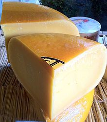 Coolea - The hills of Collea give their name to the Williams family's acclaimed raw-milk, gouda-style cheese. This is a rich, nutty cheese with a fruity tang on the finish. Maturing process takes 6 to 12 months.