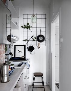 Stylish small studio - via Coco Lapine