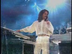Yanni Tribute - Santorini - The famous Santorini piece of Yanni's played at the Acropolis was one of the closing pieces of the Tribute concerts Yanni Music, Yanni Piano, Live Music, My Music, Cool Violins, We Will Rock You, Classic Songs, Music Mix, Christian Music