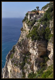 Amalfi Coast, Sorrent, Italy.  From the Naples side of the coast this would be the first of the real Amalfi Coast Cities you would see.                                                                                                                                                                                 Mehr