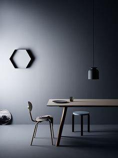 """Dark Interior"" by the Interior-Design-Magazin www.leuchtend-grau.de styling Amanda Rodriguez | foto Kristofer Johnsson"