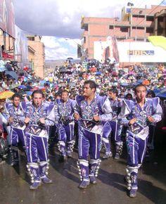 Caporales ingresando al atrio del Templo del Socavón #carnavaloruro2014