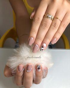 Sigan a: . Luxury Nails, Stylish Nails, Gorgeous Nails, Nail Trends, Spring Nails, Nails Inspiration, Beauty Nails, Beautiful Hands, Fun Nails