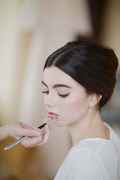 Rose Quartz Kissed Minimalist Bride Hair & Makeup Tutorial << Story Board Wedding