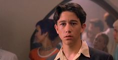 """""""joseph gordon levitt in 10 things i hate about you"""" Pretty Men, Pretty Boys, Cute Boys, Joseph Gordon Levitt Young, Celebrity Crush, Celebrity News, Color In Film, Dream Boy, Young Actors"""