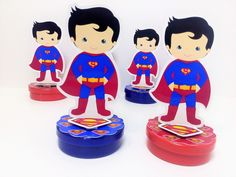 Latinha com Aplique 3D Super Homem Bolo Super Man, Superman Baby, E Design, Hot Wheels, Boys, Character, Wonder Woman Birthday, Jack And Jill, Tin Cans