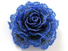 キラキラブルーの薔薇ビーズコサージュ #カザリ咲色 #ビーズ #ビーズフラワー #ビジュー #ハンドメイド #コサージュ #手作り #手芸 #アクセサリー #コスチュームジュエリー #薔薇 #バラ #bead #beads #bijou #beading #beadedflower #beadswork #beadwork #beadsph #bijoux #beaded #biser #corsage #handmade #rose