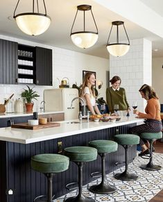 The Hoxton Hotel Coffee Shop Interior Design, Cafe Interior, Modern Interior Design, Kitchen Interior, Interior Architecture, Outdoor Dining Furniture, Entryway Furniture, Home Furniture, Bg Design