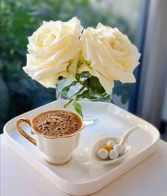 Coffee Cafe, Coffee Drinks, Food Decoration, Table Decorations, Good Morning Beautiful Gif, Good Morning Friends, Coffee Is Life, But First Coffee, Turkish Coffee