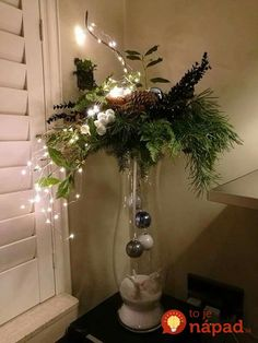 DIY Christmas Decor DIY Christmas Decor friedegunde friedegundescho Deco Think outside the Christmas tree with these dreamy DIY decor ideas for string lights nbsp hellip Christmas Vases, Easy Christmas Decorations, Christmas Arrangements, Christmas Centerpieces, Simple Christmas, Christmas Time, Christmas Wreaths, Holiday Decor, Elegant Christmas Decor