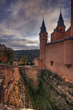 Alcázar de Segovia, Castile and León | #Spain (by GustavoCba)