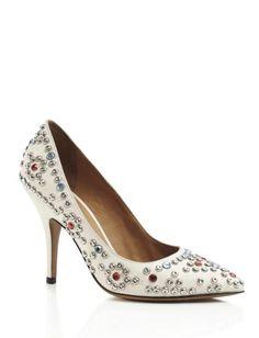 ISABEL MARANT Blanc Clémence clouté Chaussures Cette pointe des pieds Isabel Marant pompe dispose d'un talon recouvert et le goujon et l'embellissement de cristal Swarovski à travers enfiler 100% cuir de veau Made in France