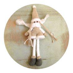 Crocheted winter gnome by Helena Haakt ( kabouter amigurumi haken)