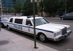 Limo Police Car I stumbled upon this amazing stylish limousine. Check out far more on the online site Lizzie Mcguire, Patrick Star, Adventure Time Anime, Weird Cars, Cool Cars, Crazy Cars, 2012 Ford Taurus, Car Pictures, Photos