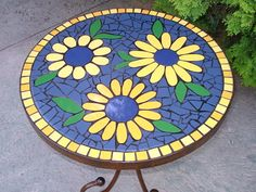 ver imagenes de mandalas - Buscar con Google Mosaic Tray, Mirror Mosaic, Mosaic Tiles, Mosaic Art Projects, Mosaic Crafts, Mosaic Designs, Mosaic Patterns, Stone Mosaic, Mosaic Glass