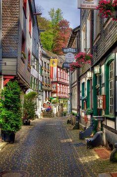 Street Scene in Eife
