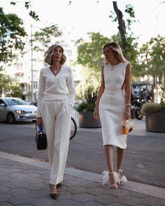 "Street Style Gallery on Instagram: ""@carlahinojosar @susirejano . . #fashion #stylish #trends #estilismo #fashionbloggers #styleicons #fashionlife #moda #stylefashion…"" Paris Chic, Knit Dress, Peplum Dress, Classy Chic, Fashion Gallery, White Pants, Style Icons, Knitwear, Daughter"