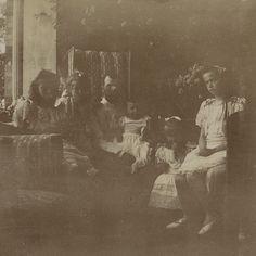 Rare photo of Tsar Nicholas II with his children, 1905. Photo source: lastromanovs Flickr