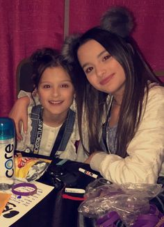 Annie and Hayley ~ Bratayley Love them ❤
