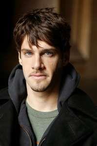 Justin Bartha (Riley Poole in National Treasure)
