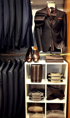 Men should always have some great suits and stylish accessories in their wardrobe~! Style Gentleman, Gentleman Mode, Sharp Dressed Man, Well Dressed Men, Gentleman's Wardrobe, Men Closet, Gq Style, Herren Outfit, Suit And Tie