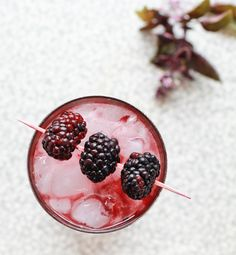 Friday Content Hour: The Blackberry Collins - http://www.weddideas.com/wedding-ideas/friday-content-hour-the-blackberry-collins.html