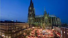 Der Weihnachtsmarkt am Kölner Dom ist der meistbesuchte in ganz Deutschland. (Quelle: imago/Imagebroker)