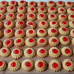 Italian Cookie Recipes, Italian Cookies, Candy Recipes, Snack Recipes, Dessert Recipes, Small Desserts, Cookie Desserts, Biscuit Cookies, Cake Cookies