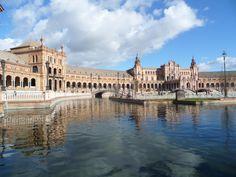 Plaza de España #spain #plazadeespaña #sevilla #travel #adventure #discovery